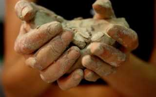 Голубая глина – свойства и применение для суставов, приготовление глиняной воды