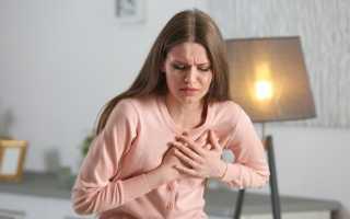 Боль в грудной клетке посередине при движении — причины, диагностические меры и симптоматика